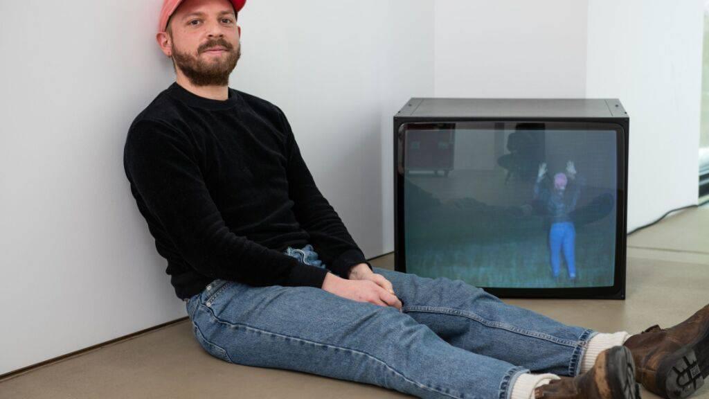 Der Manor-Kunstpreisträger Dorian Sari im Haus für Gegenwart des Kunstmuseums Basel.