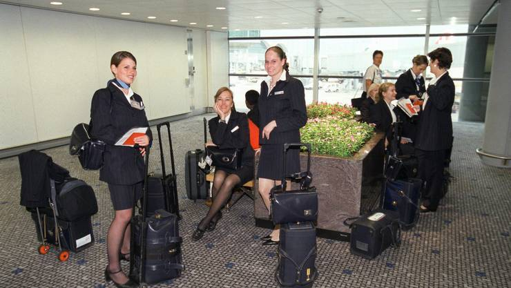Flight Attendants der Swiss warten auf ihren Einsatz