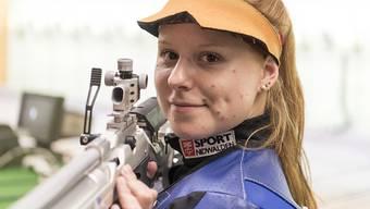Nina Christen zeigt höchste Präzision mit dem Gewehr