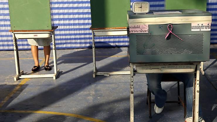 Die Thais dürften frühestens im Februar 2019 erneut zur Urne gerufen werden, um ein neues Parlament zu wählen. Seit dem Putsch 2014 ist das Militär an der Macht. (Archivbild)