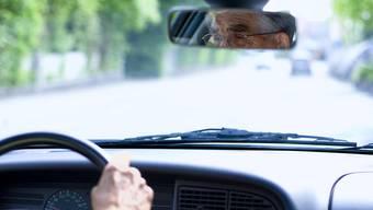 Ältere Menschen sollen länger Autofahren dürfen.