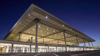 Terminalgebäude und Nebengebäude des Hauptstadtflughafens Berlin. Der Airport kann nicht mehr 2017 eröffnet werden. (Archivbild)