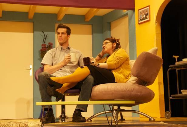 Feierte Bühnenpremiere Sandro Schifferle mit seiner Ehefrau (Monica Kündig)