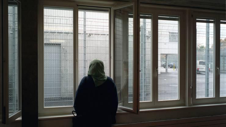 Eine Asylsuchende in der Empfangsstelle für Asylsuchende in Basel. (Symbolbild)
