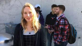 Jessica (17) aus Reinach sieht der schulfreien Zeit kritisch entgegen.