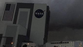 Schlechtes Wetter verzögert die Landung der Raumfähre