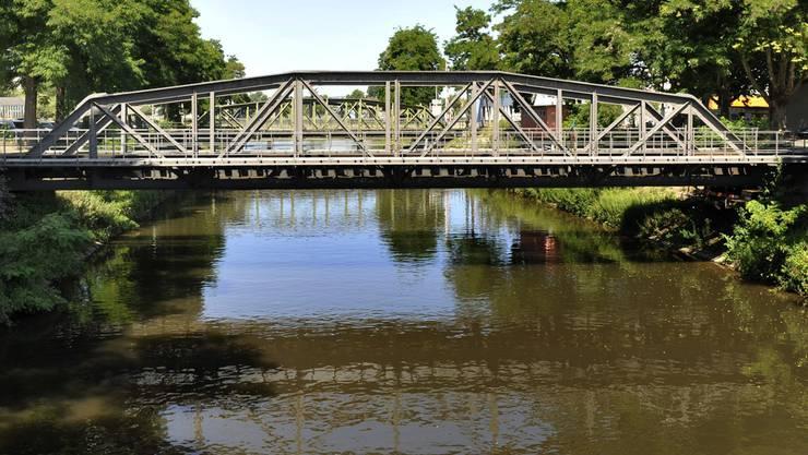 Der Fluss Wiese vor der Revitalisierung.