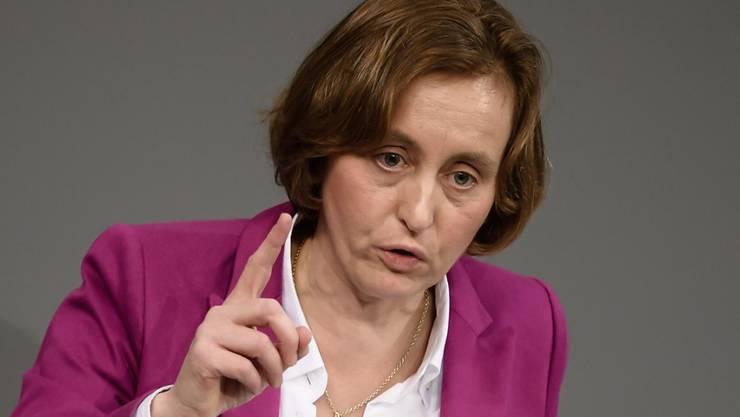 """""""Was zur Hölle ist in diesem Land los?"""": Beatrix von Storch, Vize-Fraktionschefin der rechtsnationalistischen AfD im deutschen Bundestag."""