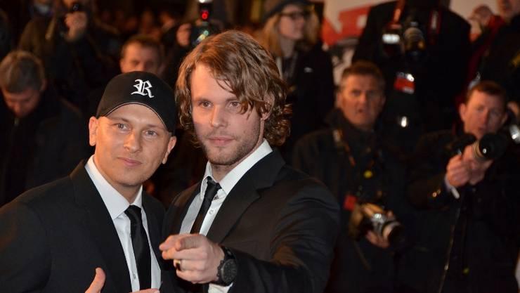 Der Oetwiler DJ Remady (links) und Sänger Manu-L stellen sich an den NRJ Awards in Cannes dem Blitzlichtgewitter der Fotografen.  ZVG