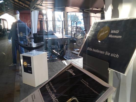 Das WAGI Museum informierte in der Bahnhofshalle in Bauma über die Geschichte der WAGI und über die nächsten Projekte. ©WAGI Museum