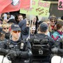 Bereits an den vergangenen Märschen fanden jeweils Gegendemonstrationen statt. (Archiv)