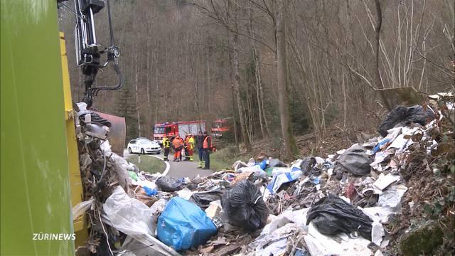 Abfallwagen in Windisch gekippt