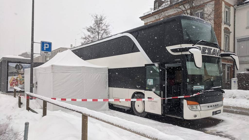 Polizeieinsatz: Frau stirbt in serbischem Reisecar