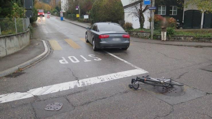 Während der Unfallaufnahme musste die Batteriestrasse im Bereich der Unfallstelle gesperrt werden.