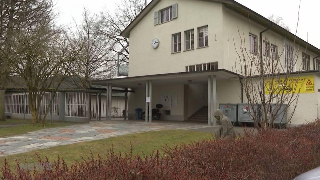 Schule Köniz nach Häufung von Coronafällen geschlossen