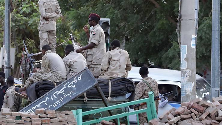 Im Sudan hat der regierende Militärrat alle Abkommen mit der Opposition gekündigt und Wahlen innerhalb der kommenden neun Monate ausgerufen. (Archivbild)