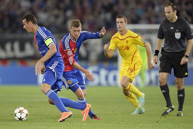 FCB-Captain Marco Streller (l.) und Fabian Frei (M.) im Zusammenspiel