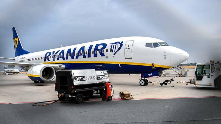 Viele Ryanair-Flieger bleiben am Freitag am Boden. (Archivbild)