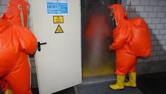 Ein Mitarbeiter einer eingemieteten Firma der Tiefgarage stellte in der Einstellhalle Gasgeruch fest und alarmierte die Polizei (Symbolbild)