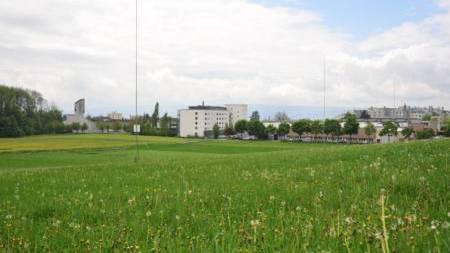 Alle rechtlichen Hürden sind übersprungen: Die regionale Sport- und Freizeitanlage unweit des Alterszentrums in Widen (Mitte) kann definitiv gebaut werden.