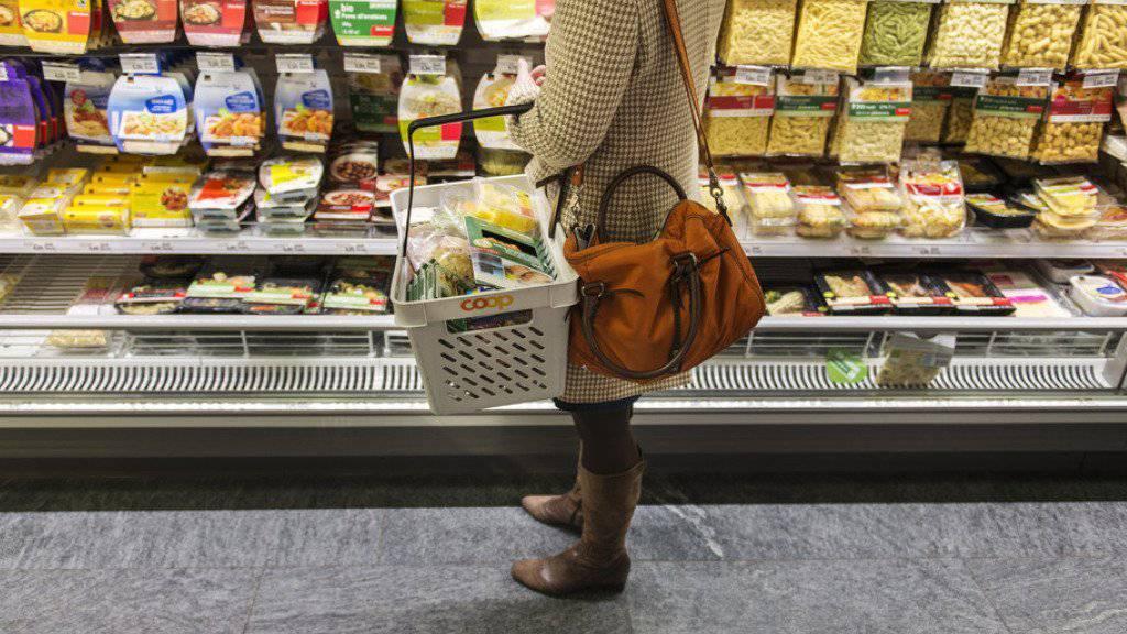 Im Nahrungsmittelsektor stagnierten die Umsätze im Vergleich zum Vormonat.
