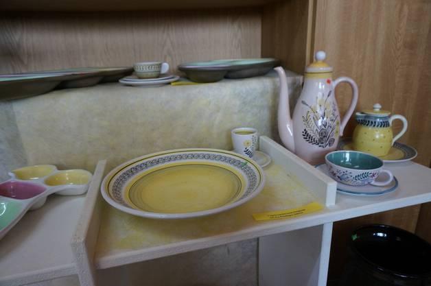 Hier ist Tee-Sets abgebildet.