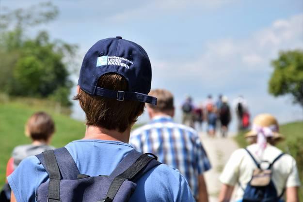 Möchten Sie auch eine Leserwandern-Kappe? Dann kommen Sie am Freitag zur Abendwanderung ins Chaltbrunnental!