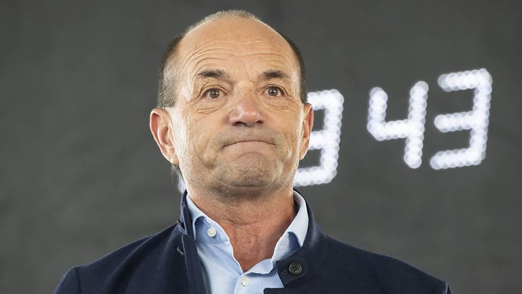 Sorgenfalten bei OK-Chef Gian Gilli, auch der Eishockey-WM droht die Absage.