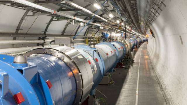 Der Large Hadron Collider (LHC) am CERN in Genf