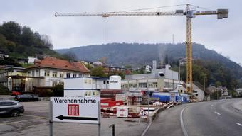 Noch ist es eine Baustelle, doch schon im Frühling 2020 soll der Rero-Anbau in Waldenburg fertig sein.