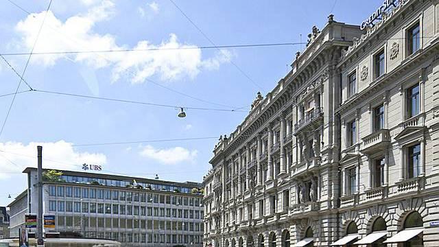 Blick auf die Grossbanken UBS und CS am Zürcher Paradeplatz (Archiv)