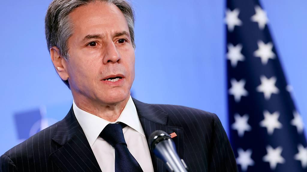 ARCHIV - Antony Blinken, Außenminister der USA, spricht während einer Pressekonferenz im NATO-Hauptquartier. Foto: Kenzo Tribouillard/Pool AFP/AP/dpa