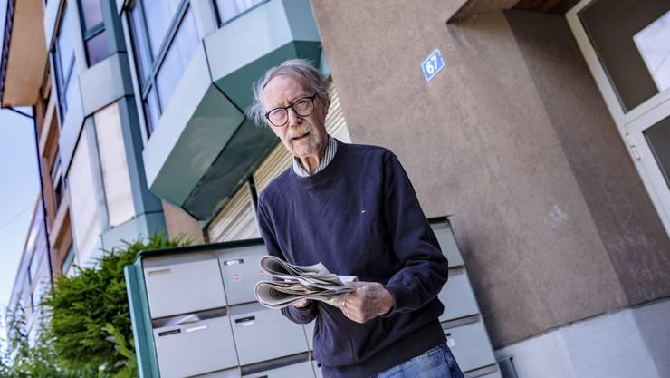 Der Schriftsteller René Regenass verliert wie zwanzig andere Mieter sein Zuhause.