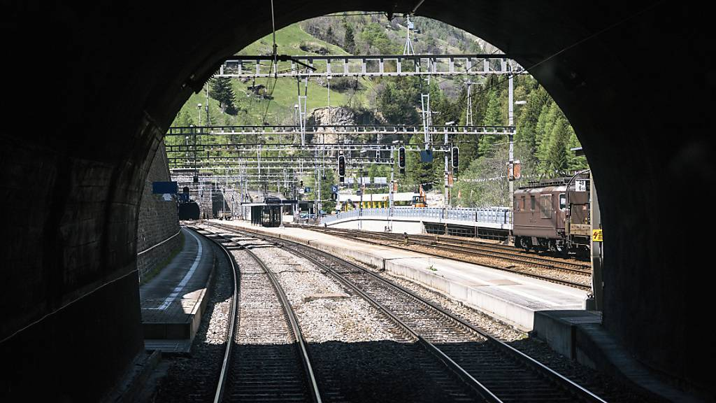 Sanierung des alten Lötschbergtunnels dauert länger und wird teurer