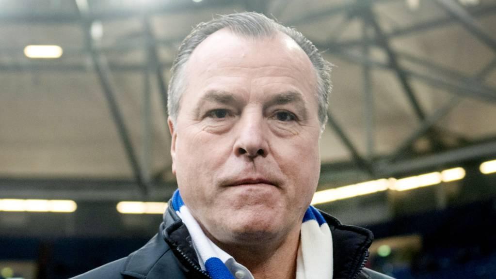 Clemens Tönnies gibt sein Amt als Aufsichtsratsvorsitzender von Schalke 04 ab