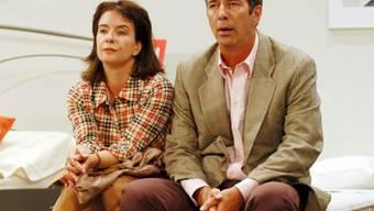 """Isabelle von Siebenthal und Hans Schenker bei einem gemeinsamen Auftritt im Theaterstück """"Harmony"""" (Bild: Schweizer Fernsehen)"""