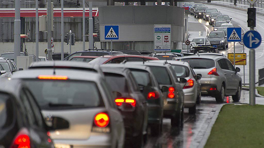 Wer die Grenze zur Schweiz überquert, tut dies in den häufigsten Fällen in der Freizeit. (Symbolbild)