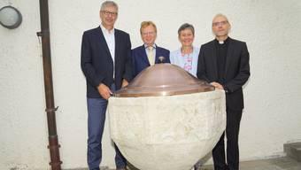 Der beim Schloss Lenzburg gefundene Taufstein steht nun bei der katholischen Kirche Herz Jesu.