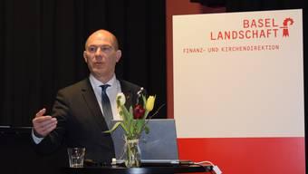 Finanzdirektor Anton Lauber präsentiert im Kulturhotel Guggenheim in Liestal die Baselbieter Staatsrechnung 2016.