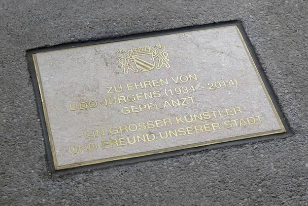 Die Gedenkplakette fotografiert anlaesslich der Enthuellung der Gedenkplakette fuer die Schlagerlegende Udo Juergens