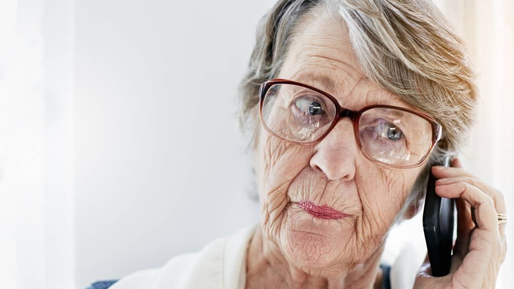 Im Thurgau wurde eine ältere Frau um 25'000 Franken betrogen. (Symbolbild)