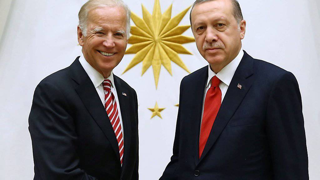 Die Freude ist nicht gleichmässig verteilt zwischen US-amerikanischer Seite (Joe Biden, links) und türkischer (Recep Tayyip Erdogan) während ihres Treffens in Ankara.