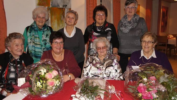 Vorne v.l. Trudi Wüthrich, Marianne Flückiger, Erna Widmer, Marie Schnyder Hinten v.l. Therese Schenk, Annemarie Probst, Brigitte Ulrich, Marlise Kummer (es fehlt Greti Bütikofer)