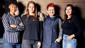 Die neuen Sport-Kolumnistinnen der «Schweiz am Wochenende» stellen sich vor: Sarah Akanji, Florence Schelling, Steffi Buchli und Céline Feller (von links nach rechts).