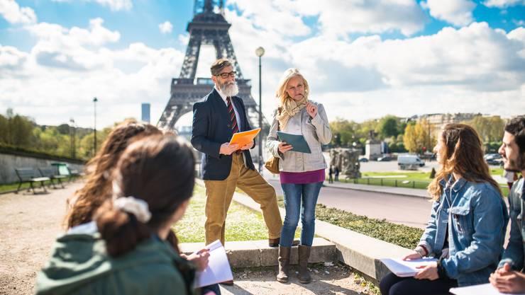 Exkursionen nach Paris sollen nur noch mit dem Zug erlaubt sein – diese Idee von Studenten wird von der Regenz unterstützt.