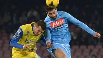 Napolis Raul Albiol (r.) sichert Napoli immerhin einen Punkt