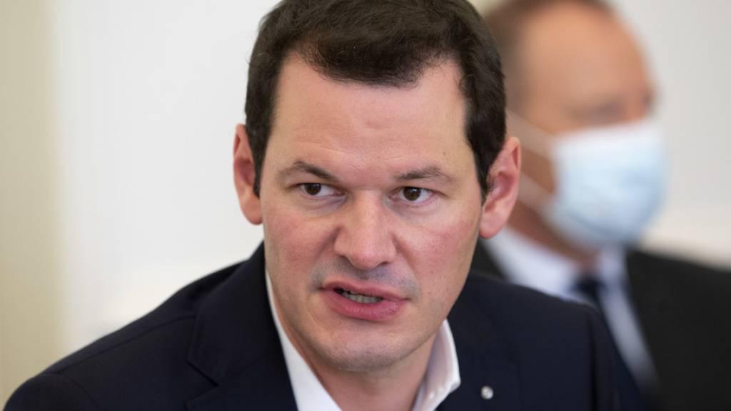 Genfer Regierungsrat Maudet tritt zurück um wieder anzutreten