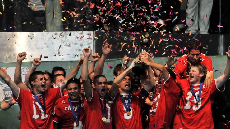 Der Moment des Jubels: Die U17 feiert am 15. November in Nigeria den 1:0-Sieg über das Gastgeberland.
