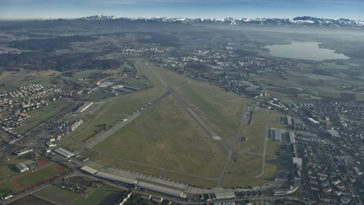"""Der geplante Innovationspark auf dem Flugplatzareal in Dübendorf sei eine """"grosse Chance"""" für den Wirtschaftsstandort Zürich, so die Kantonsratskommission. (Archivbild)."""