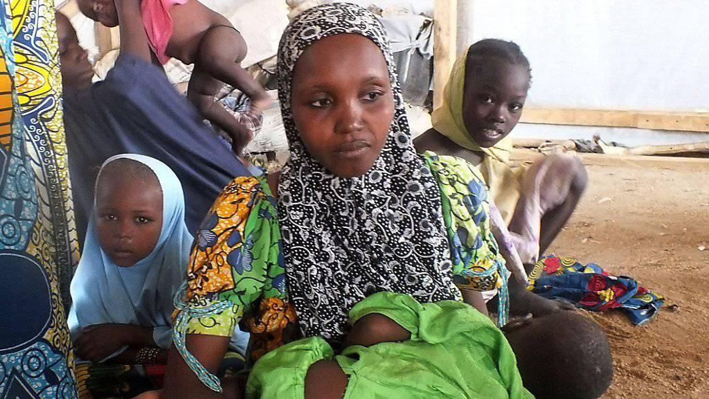 Vertrieben von Boko Haram: Menschen in einem Flüchtlingslager (Symbolbild)